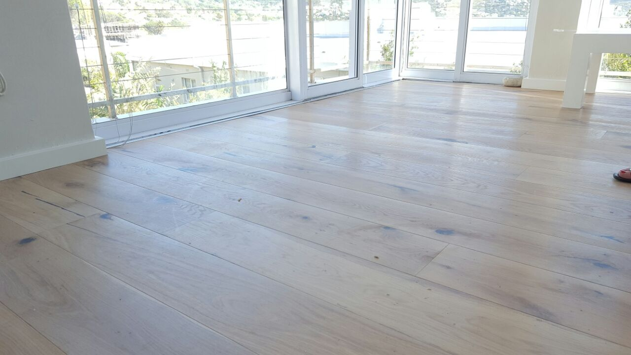 Engineered wood flooring installation flooring floating for Engineered wood flooring installation